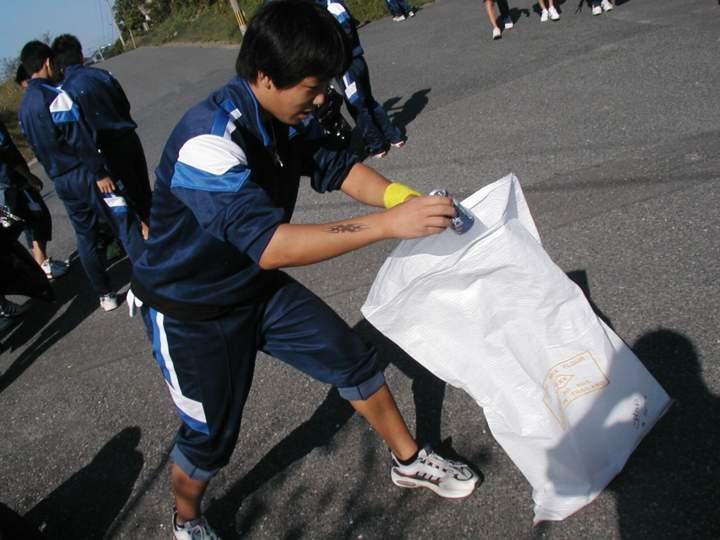 Higashi-Chu vs Litter, Round 1